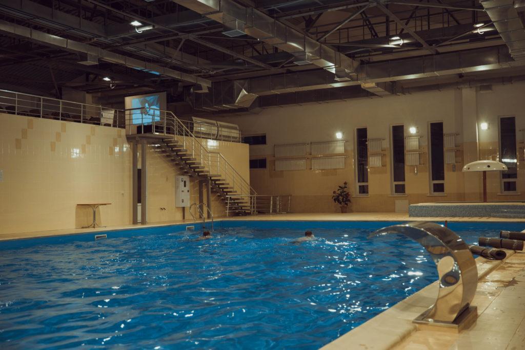 АЗОВ басейн