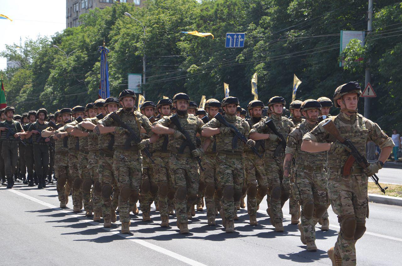 Маріуполь асоціюється з полком АЗОВ
