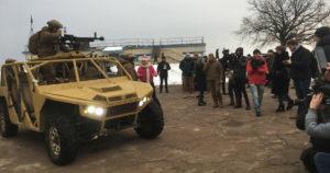 """Азовський """"Багі"""" обійшов Humvee"""